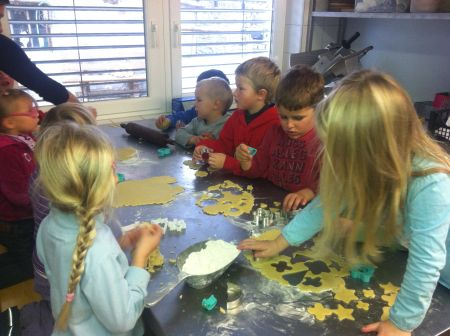 Kekse backen Naturkindergartengruppe